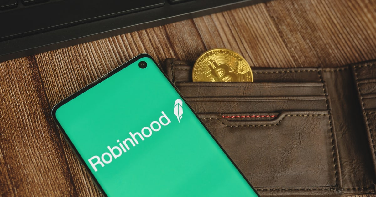 Zero-commission Trading Platform Robinhood is Valued at $32B amid IPO Prices at $38 per Share