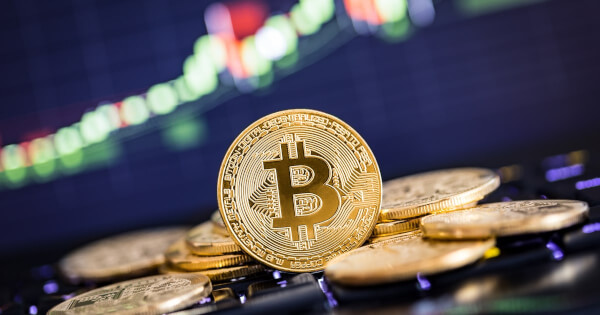 """Bitcoin Forms """"Ascending Triangle"""", Tries to Rebound Above $35,000 Crucial Level"""