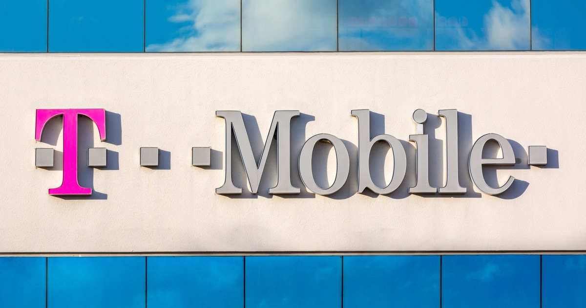 T-Mobile Hacker Leaks Clients' Data to Sale for 6 BTC