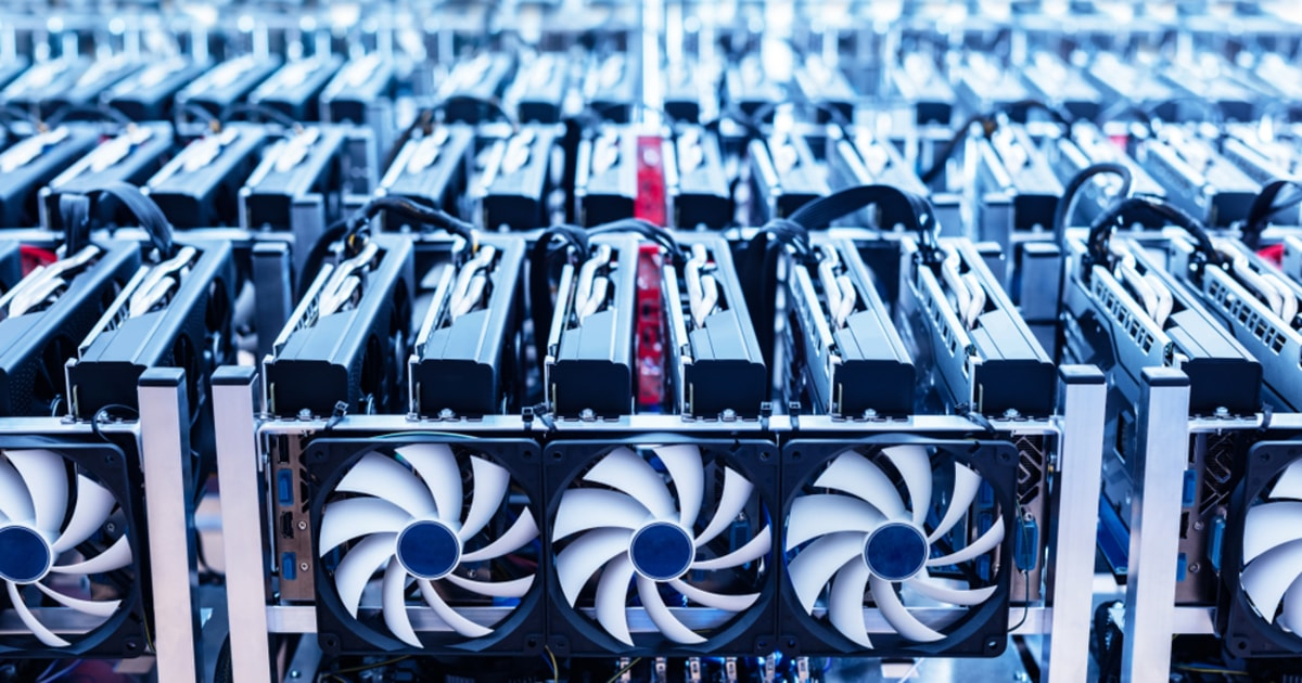 Topnotch Bitcoin Mining Machine Manufacturer Bitmain Suspends Sales due to Chinese Crackdown