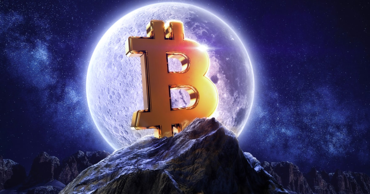 Long-Term Bitcoin Holders are Accumulating Coins After Trimming Their Positions in the Early Bull Run