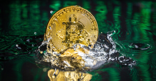 Bitcoin Recovers Its Losses After Early Week Plunge and Manages to Maintain Price above a Crucial Level
