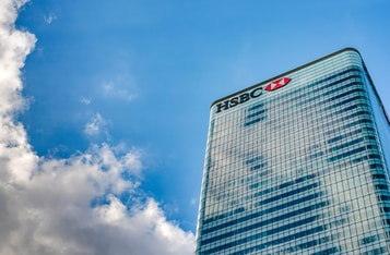 HSBC Prohibits Clients from Trading Bitcoin-Backed MicroStrategy Stock