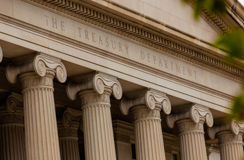 U.S. Treasury Requests Report to IRS for Crypto Transfers Over $10,000