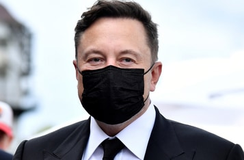 Elon Musk Hints at Possibility of Replacing Bitcoin Payments at Tesla with Dogecoin