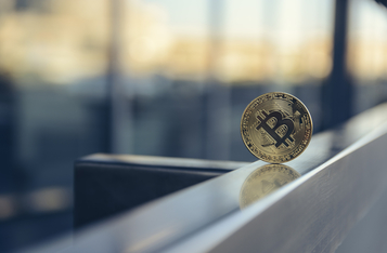Bitcoin Plunges Over 11% Decline with $141.4M Outflow from Institutions